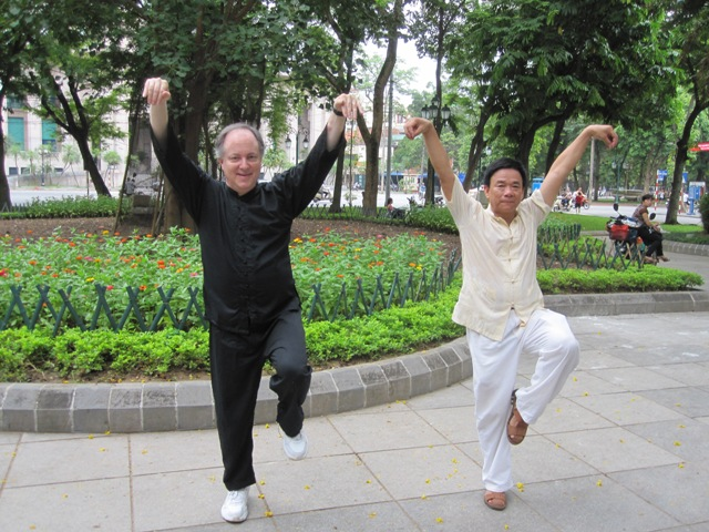 Tai Chi exercise in Ly Thai To park, Hanoi