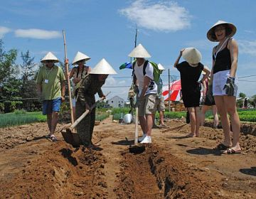 Hoian Cycling, Farming, Cooking Tour