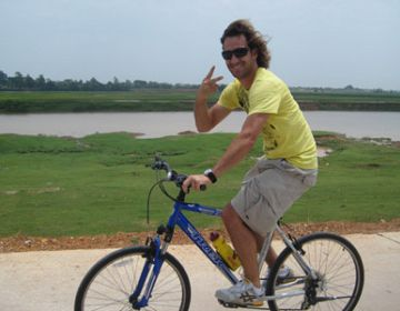 Cycling to Tho Ha & Van villages